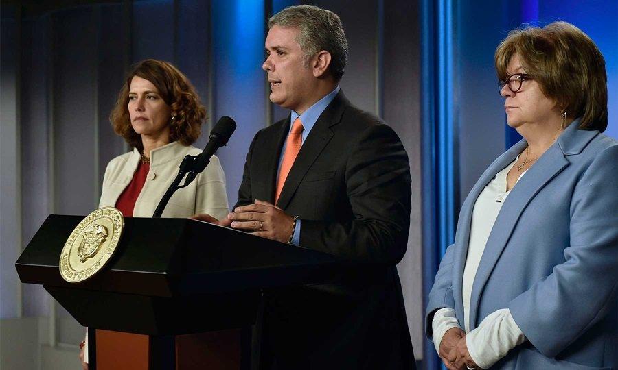 Presidente colombiano radica proyectos anticorrupción en Congreso