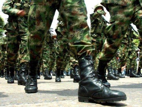 Reducen el tiempo del servicio militar en Colombia — COLOMBIA