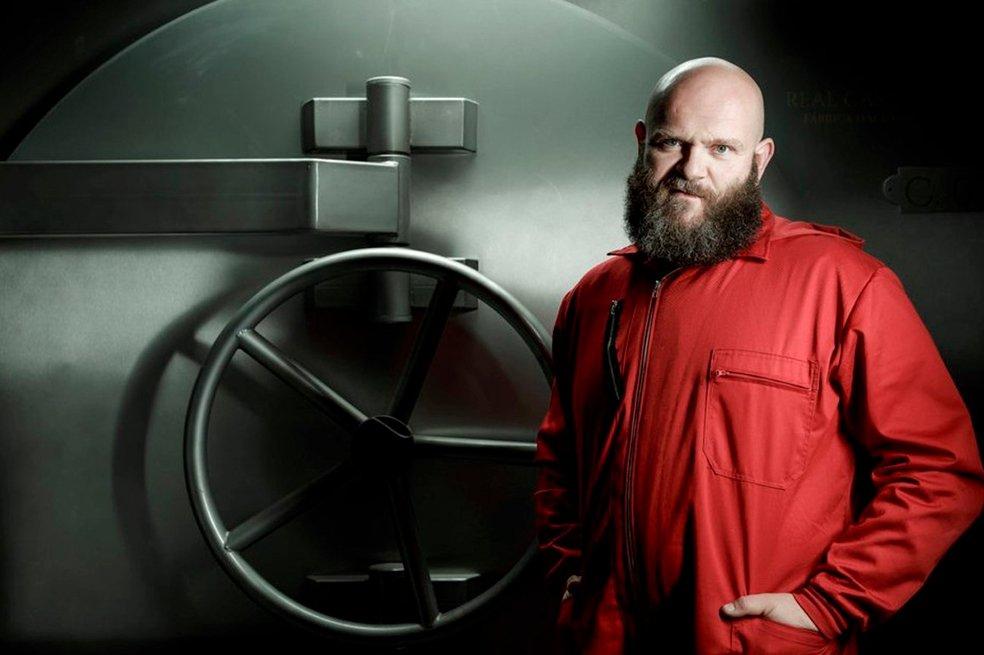 Actor de 'La casa de papel', Helsinki, llega a Colombia