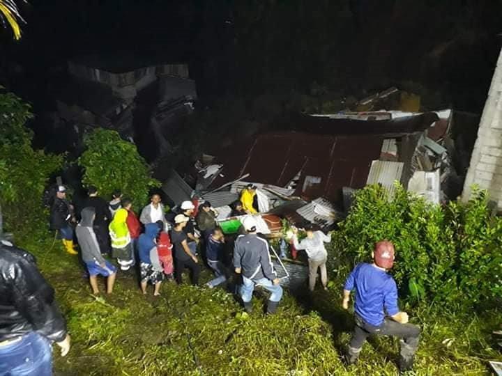 """Al menos cuatro muertos y 10 desaparecidos dejó derrumbe en Marquetalia - Caldas"""""""