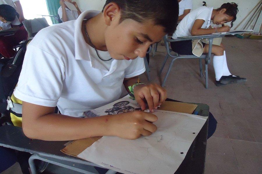 Jóvenes estudiando Tolima full HD