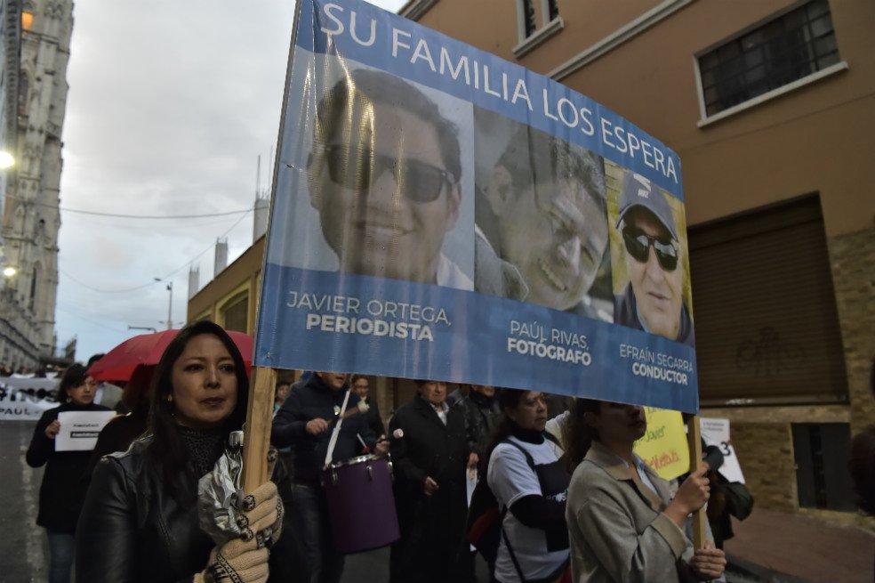 Demora entrega de los cuerpos de los periodistas asesinados