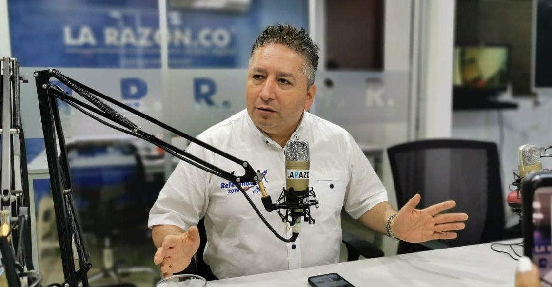 Falleció el periodista Herbin Hoyos por Covid-19