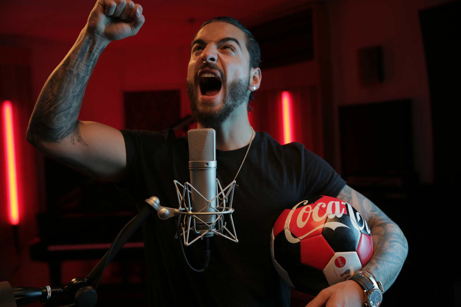 Maluma Cantando HD