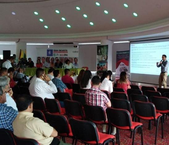Empate técnico entre Hurtado y Correa de cara a las elecciones de este 27 de octubre