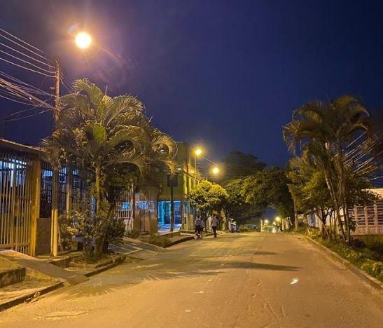 Alcaldía de Ibagué recuperó el alumbrado público en el barrio Jardín Comuneros