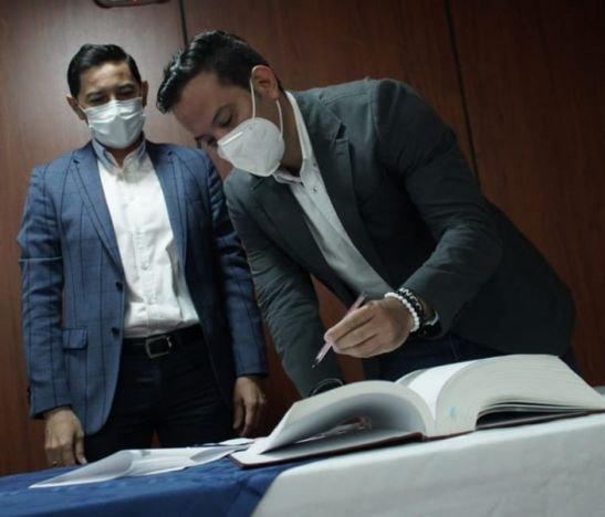 Alcalde Andrés Hurtado posesionó al nuevo gerente de la Gestora Urbana