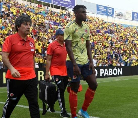 Duván Zapata abandonó la concentración de la Selección Colombia por lesión
