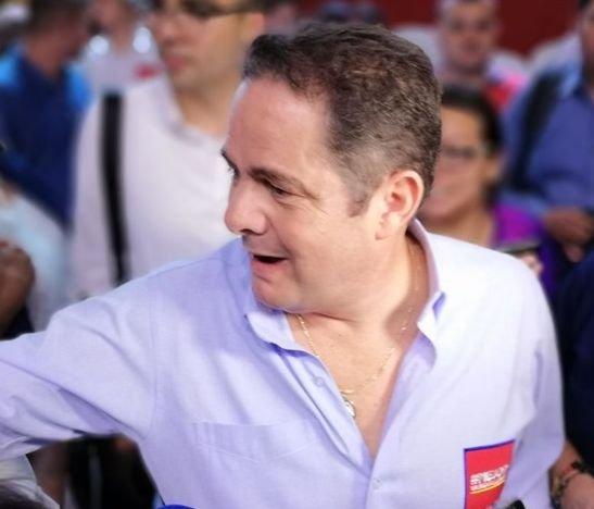 """Tacaron burro los que montaron otra reunión para boicotear esta maravillosa demostración en Ibagué"": Vargas Lleras"