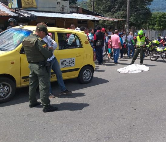 Falleció un menor tras ser arrollado por taxi en la entrada del barrio Miramar