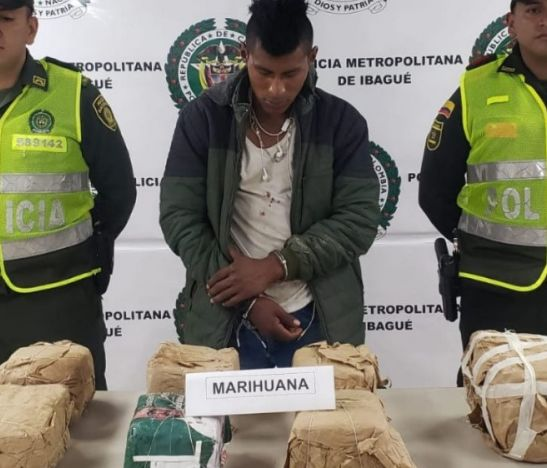 Joven de 18 años fue sorprendido transportando en un costal una gran cantidad de marihuana