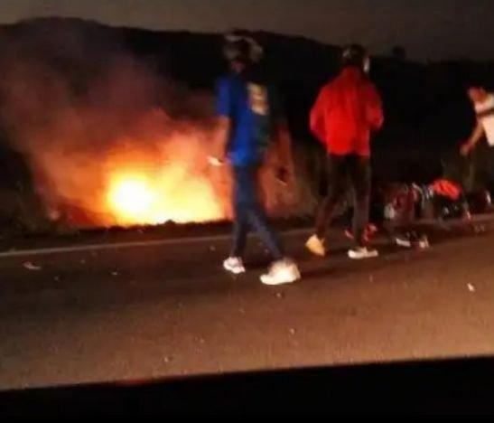 Se incendió otro vehículo en la vía hacia el municipio de Alvarado