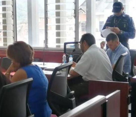 Presentaron en audiencia a Luis H. Rodríguez y él recusó a la juez que lleva su caso