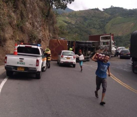 Cerrada la vía Ibagué - Cajamarca por un accidente de tránsito