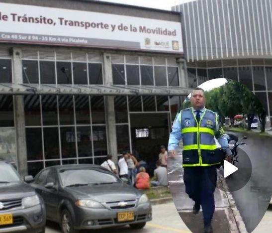 En video: Agentes Azules de Tránsito 'se sacaron los trapitos al sol'