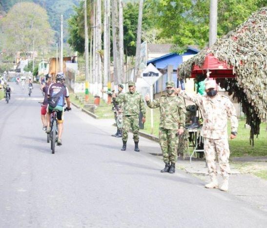 Alcalde Hurtado se vinculó este fin de semana a la ciclovía en el Cañón del Combeima