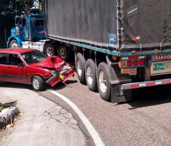 Cinco heridos dejó aparatoso accidente de tránsito sobre la vía Fresno - Mariquita