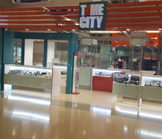 Multimillonario hurto en joyería del Centro Comercial La Estación