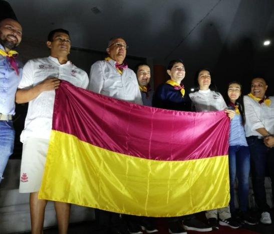 Gobernador Óscar Barreto entregó la bandera del Tolima a deportistas que estarán en los XXI Juegos Nacionales y V Paranacionales