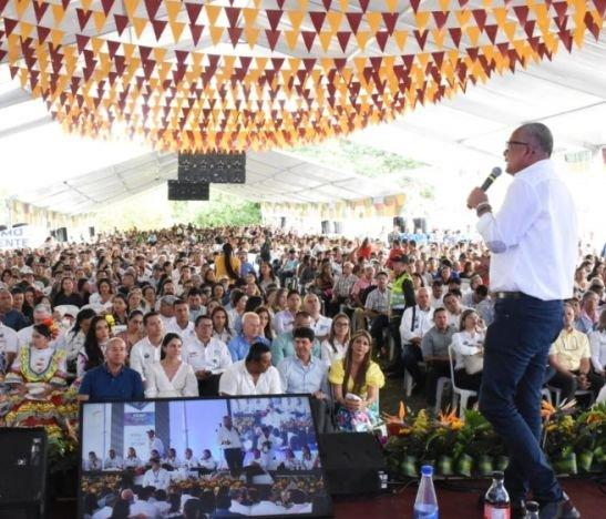 Gobernador Óscar Barreto respondió a sus críticos por la entrega de fertilizantes a los campesinos