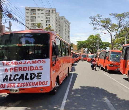 Sondeo refleja que los ibaguereños no están de acuerdo con el incremento del pasaje de buseta