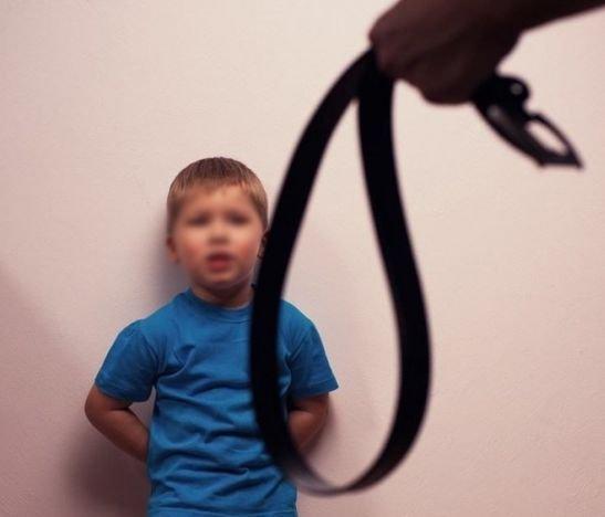 Corregir a sus hijos con gritos o golpes lo puede conducir a la cárcel