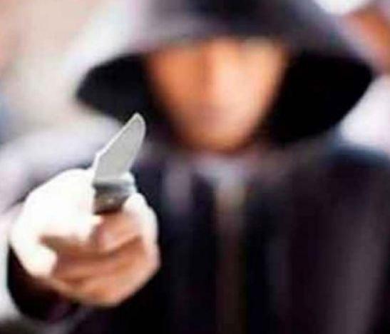 Delincuentes apuñalaron a un ciudadano para robarlo