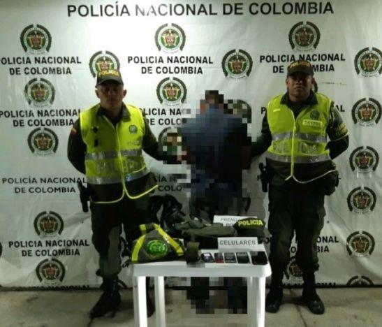 Sujeto fue capturado cuando transportaba prendas de uso privativo de la Policía