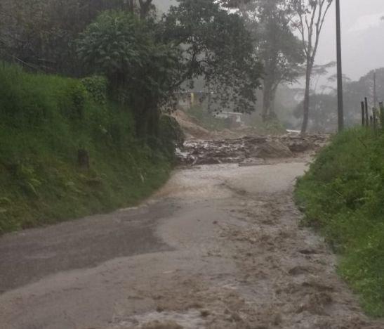 Lluvias ocasionaron desbordamiento de varias quebradas en el Cañón del Combeima