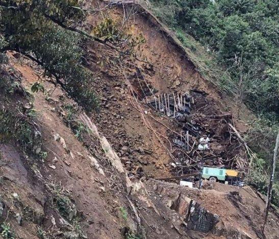 ATENCIÓN: INVÍAS informa que habrá cierre en el corredor Calarcá – Cajamarca por derrumbe