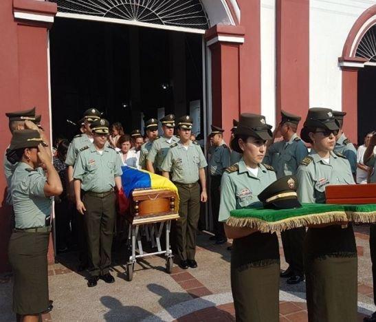 Con 'Guardia de Honor' despidieron alIntendente Medardo Rivas en Lérida