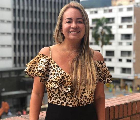 """""""No quiero más politiquería, más corrupción, quiero dignificar la política, quiero hacer la política diferente para Ibagué"""": Diana Gaitán"""
