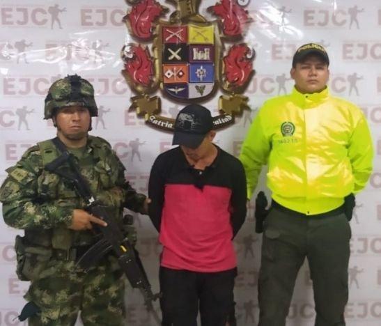 Capturaron alias El Burro tras un operativo del Ejército y la Policía en el sur del Tolima