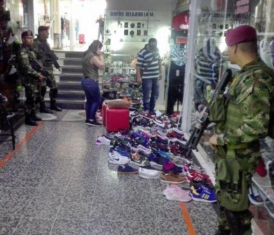 Ejército y CTI realizaron operaciones en varios centros comerciales de Ibagué