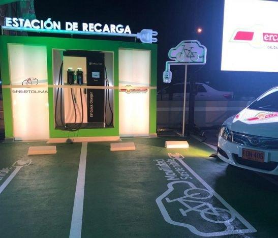 Inauguran la segunda estación de carga para vehículos eléctricos en Ibagué