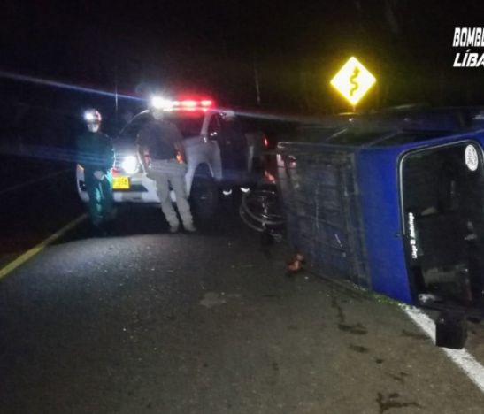 Una mujer herida dejó el volcamiento de una camioneta en el norte del Tolima