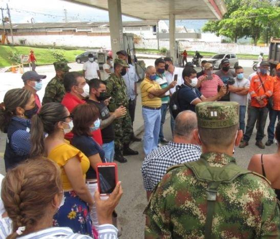 Varias vías del Tolima permanecen despejadas tras conciliación entre la Gobernación, el Ejército y los manifestantes