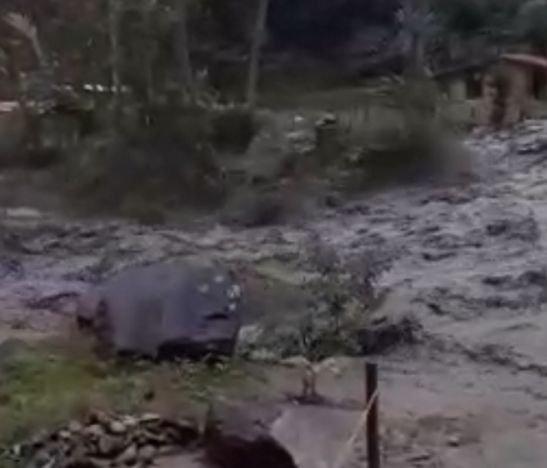 Se desbordó el río Combeima y a esta hora Ibagué está en emergencia