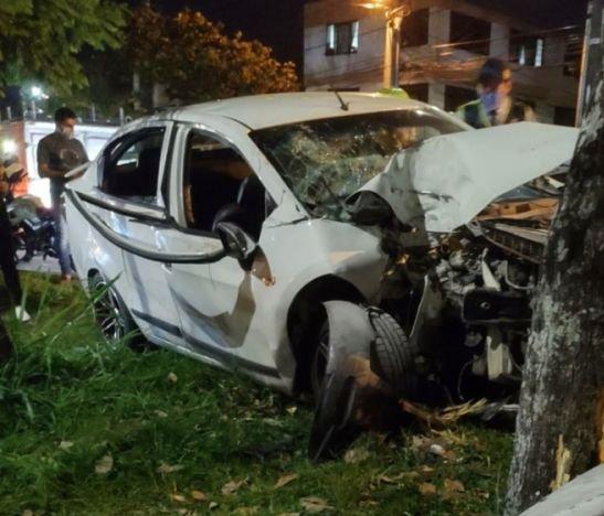 Grave accidente se reportó hace minutos frente al barrio Pedregal