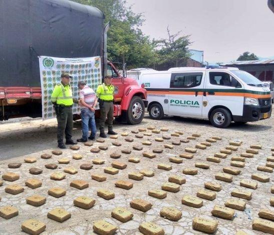 Autoridades metropolitanas incautaron 80 kilos de marihuana sobre la vía Ibagué - Alvarado
