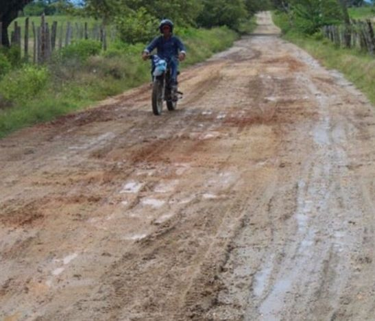 En 20 días se entregaría finalizada la obra de placa huellas en la vía que comunica a Saldaña con la vereda Jabalcón