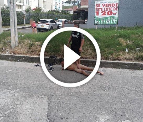 En video: desnudaron a un ladrón en el barrio Rincón de Piedra Pintada en Ibagué
