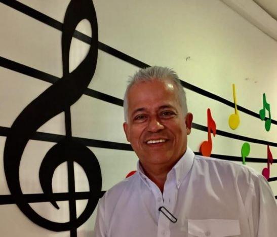 Lubín Serrano Tello, 44 años de servicio en Comfenalco