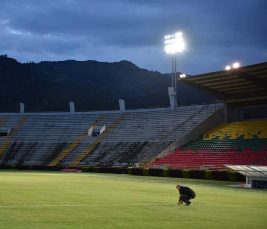 Declaran desierta licitación para cambio de luminarias del estadio Manuel Murillo Toro