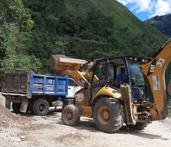 Avanzan los trabajos de recuperación de corredores viales en zona rural