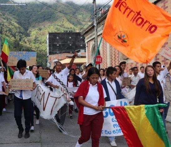 Estudiantes de Cajamarca marcharon por falta de transporte escolar