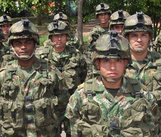 Corte anunció que los militares uniformados ya pueden salir a la calle tomados de la mano de su pareja