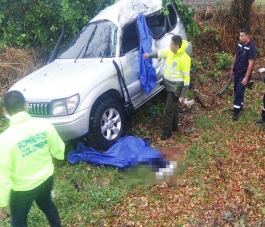Dos personas fallecieron en accidente sobre la variante de El Espinal