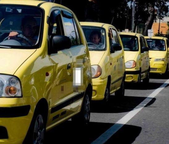 Descuidada mujer olvidó a su hijo de tres años en un taxi en Ibagué