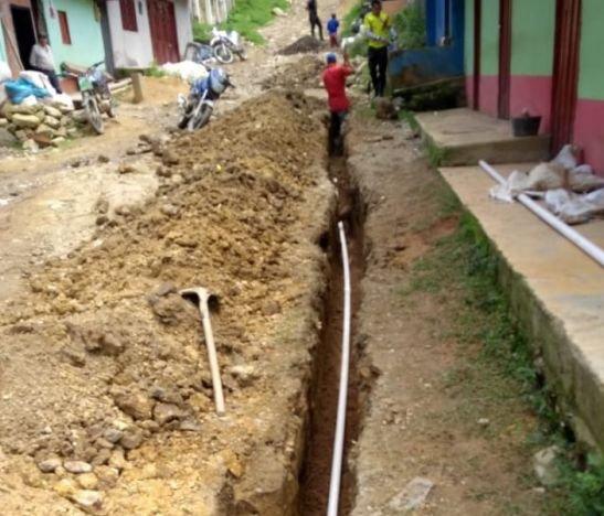 Avanza la construcción del acueducto en Bilbao, centro poblado de Planadas